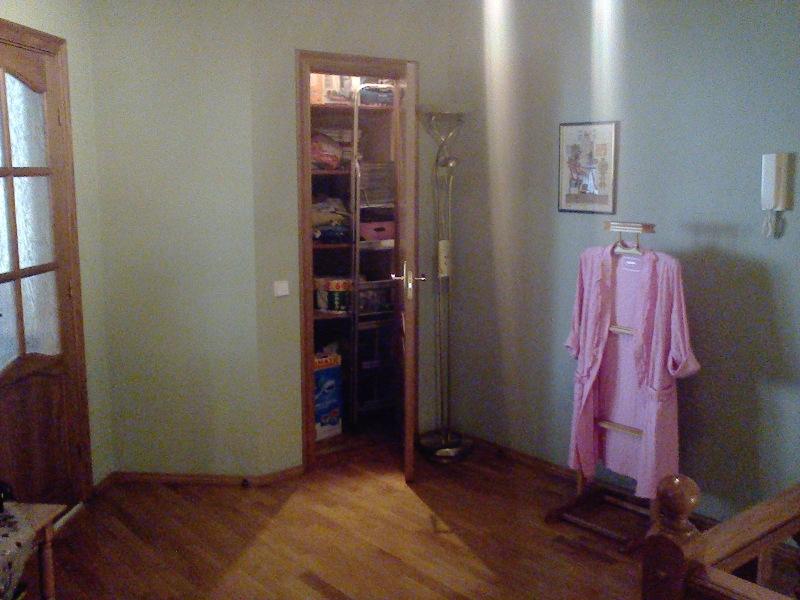 Продаётся 2-уровневая  квартира пр-т Лобановского